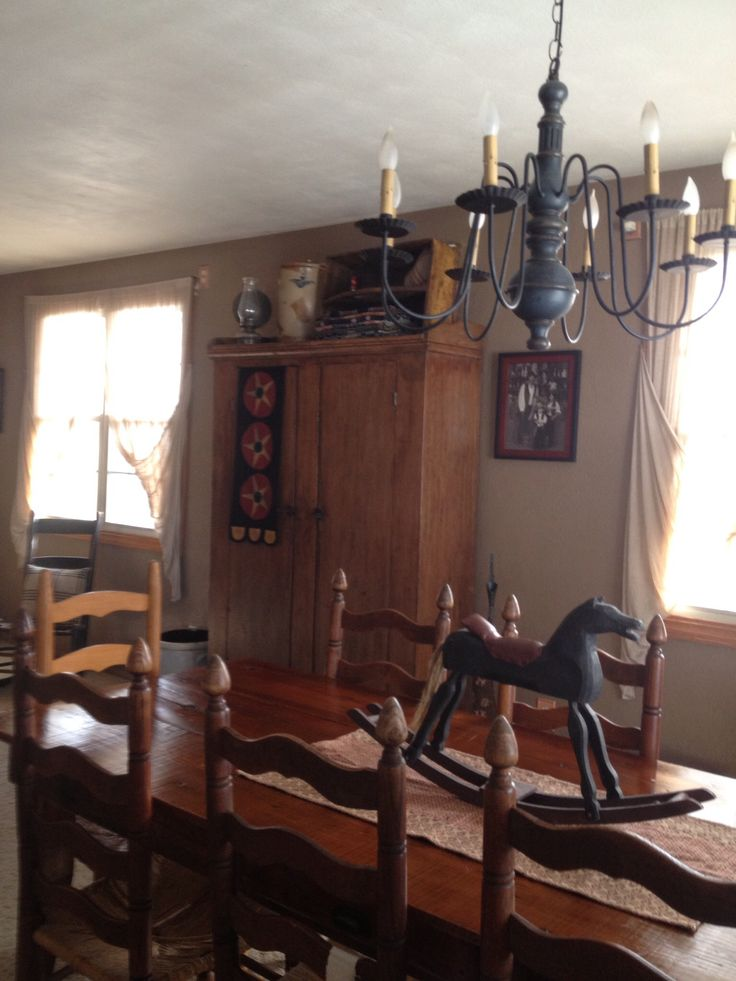 1000 ideas about primitive dining rooms on pinterest windsor chairs