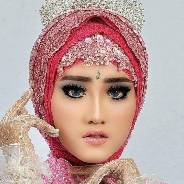 "306 Suka, 5 Komentar - ASRI HIJAB (@asri_hijab_wedding_organizer) di Instagram: ""ASRI HIJAB RIAS PENGANTIN KHUSUS HIJAB,  SPESIALIS MAKE UP NO CUKUR ALIS DGN PERIAS2 WANITA TULEN…"""
