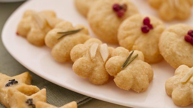biscotti al parmiginao | Ricetta Frollini al Parmigiano - Le Ricette di GialloZafferano.it
