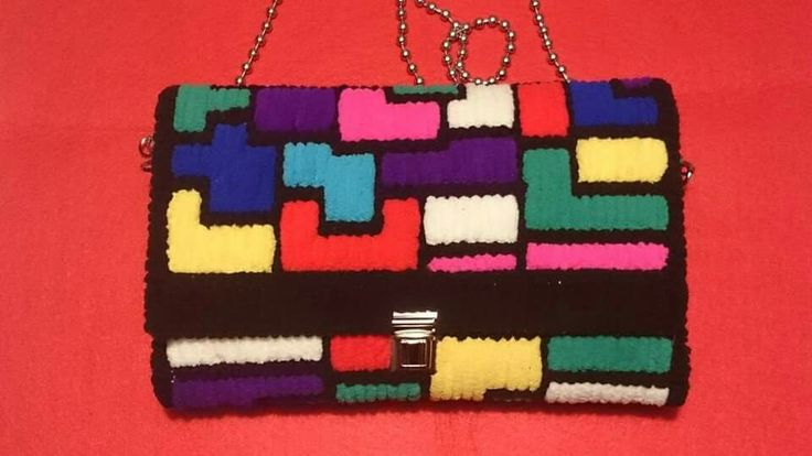Bolso de lana polar y rejilla. Tetris. Zapitrillo. YouTube.