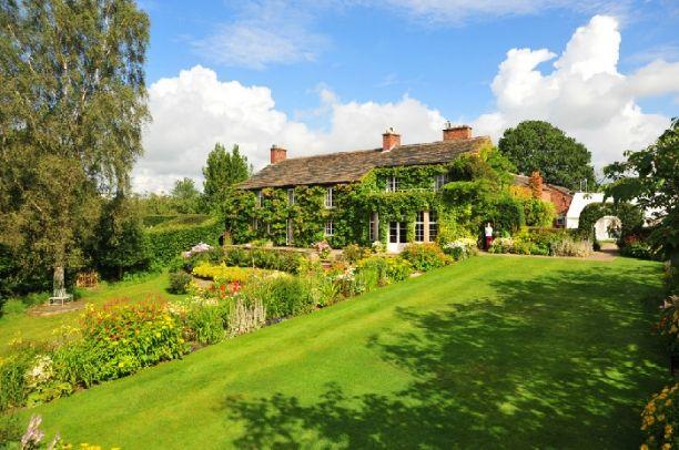 Hilltop Country House Wedding Reception Venue in Prestbury, Cheshire SK10 4ED