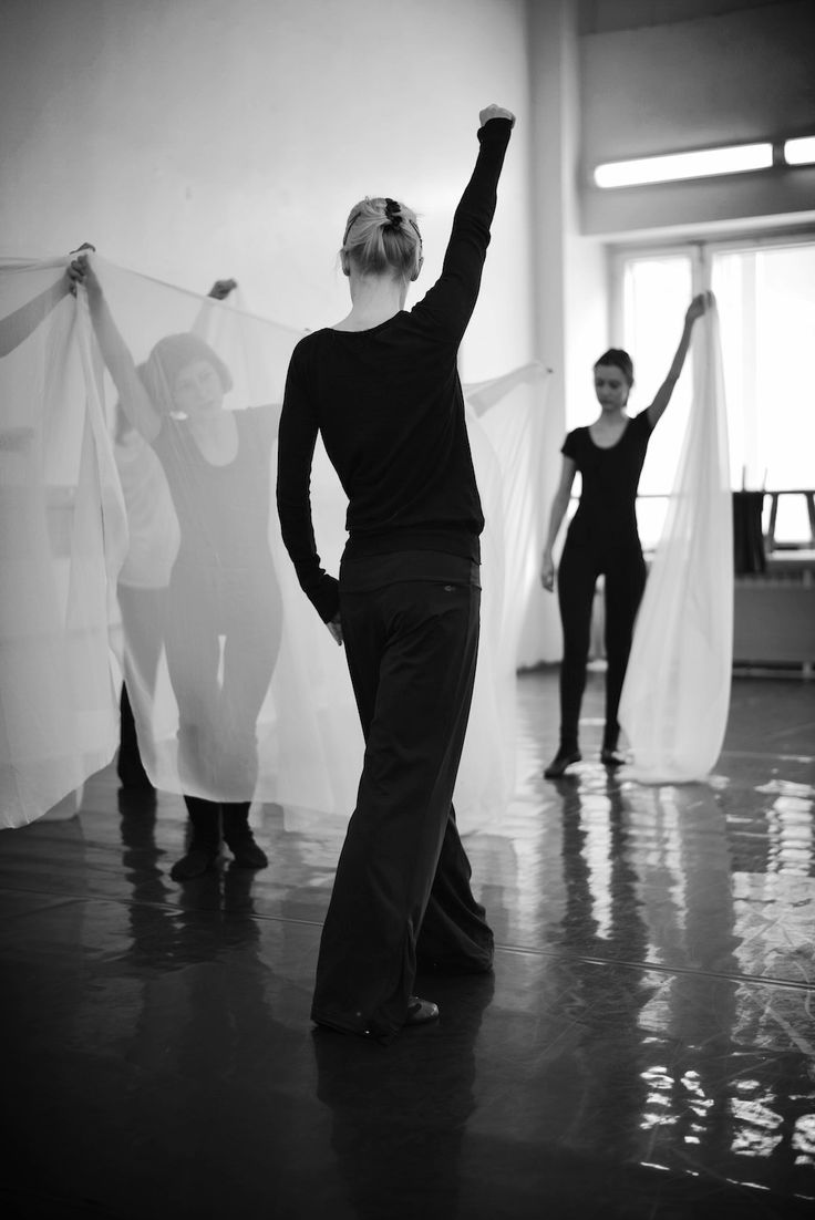 Dance lesson.