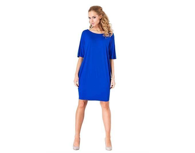 Blaues kleid aufpeppen