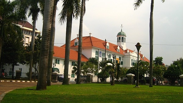 Capital of the Dutch East Indies from 1619-1949 Colonial architecture