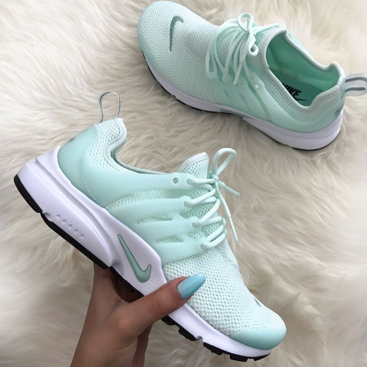 Damen Sneaker ᐅ Onlineshop Gunstig Kaufen Bei Sneakerparadies De Nike Free Shoes Sneakers Dream Shoes