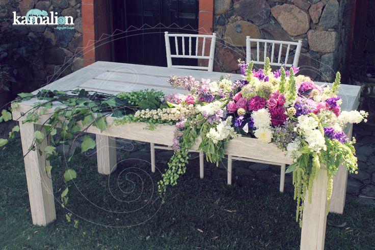www.kamalion.com.mx - Decoración / Vintage / Rustic / Lilac & Mint / Lila & Menta / Decor / Flores / Flower / Boda / Centros de Mesa / Centerpiece / Mesa de Novios / Bride&Groom.
