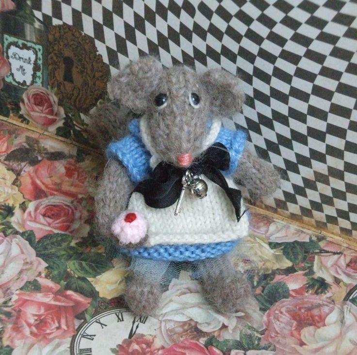 (6) Name: 'Knitting : Alice in Wonderland