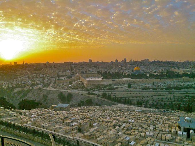 イスラエルの聖地「エルサレム」で、神聖スポット巡り!ユダヤ教とキリスト教の歴史と異文化に触れる旅   イスラエル   Travel.jp[たびねす]