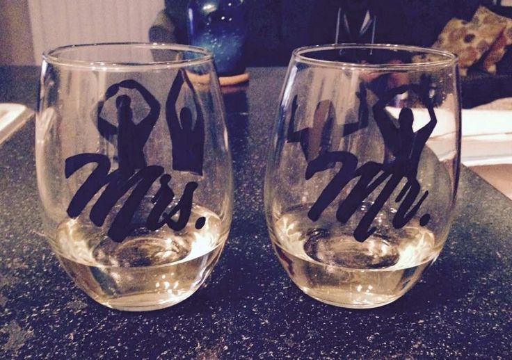 Mr. And Mrs. Ohio state fan wine glass set by cheerdrinkwin on Etsy