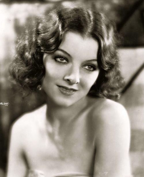 Myrna Loy - 1929 - The Desert Song - There! Iri's hair is like that, but longer.
