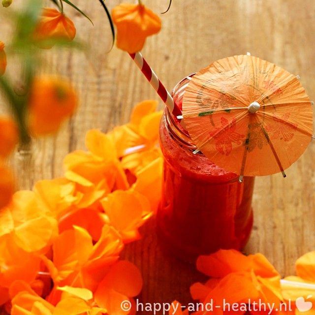 Zenuwachtig voor de wedstrijd? Nergens voor nodig! Neem 'n flinke dosis oranje vitaminen met deze power smoothie vol wortel, rode biet en ananas. Een heerlijke WK Oranje power smoothie, voor extra leeuwenkracht! #WK2014 http://www.happy-and-healthy.nl/wk-oranje-power-smoothie-yes-can/ #happy #healthy #happyhealthynl #eatclean #cleaneating #fit #raw #recepten #lunch #ontbijt #bloeddrukverlagend #rodebiet  #wortel  #ananas #sap #slowjuicer #smoothie #voetbal #wedstrijd #WK #oranje
