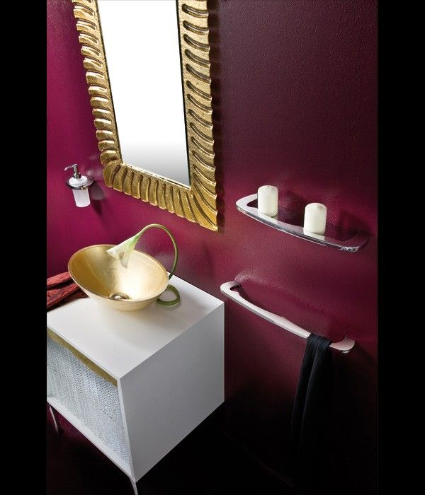17 best sala images on pinterest dining rooms red painted walls and wall flowers Purple and gold bathroom accessories