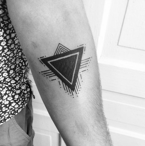 Another Cover Up From Today Thanks Tattoo Fixers: 109 Best Triangle Tattoos Images On Pinterest