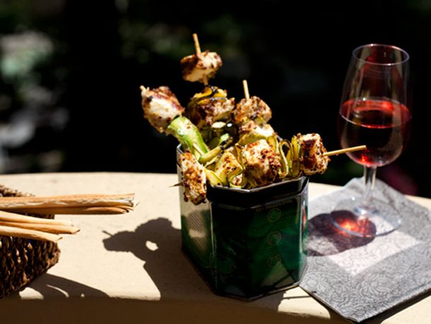 Spiedini di pollo e zucchine con senape all'ancienne by Sonia nel Paese delle Stoviglie. In abbinamento: Negroamaro Rosè.