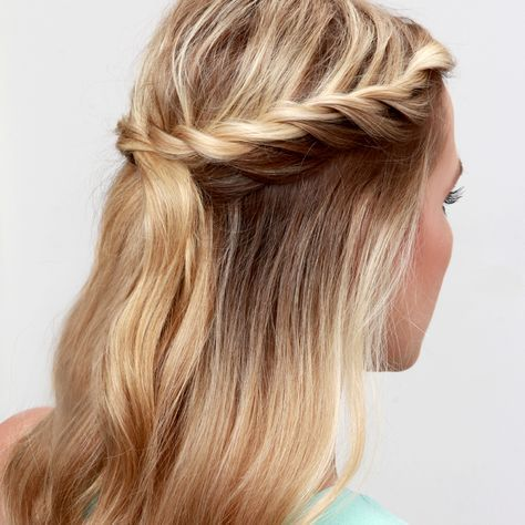 Lulus How-To: Twisted Crown Hair Tutorial