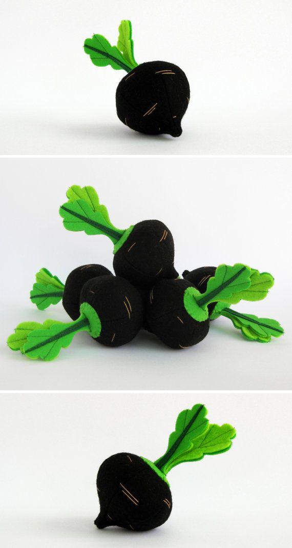 Jeu feutre alimentaire « Radis espagnol noir d'hiver » (1 pc) par « MyFruit » Je propose de vous acheter réaliste peluches, fait de feutre pour vos