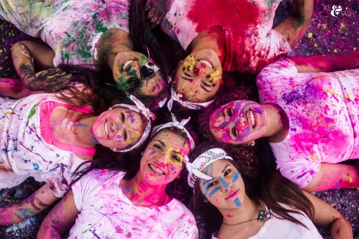 color war, holi powder, color run, holi paint powder, holi powder fight, paint fight, senior models, senior reps, seniors, follow and repin ikeandtash.com