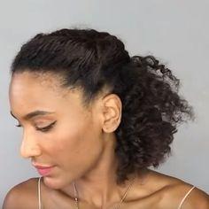 25 idées de coiffage pour cheveux bouclés et cheveux bouclés – Cheveux bouclés – #b …   – Cheveux Crépus