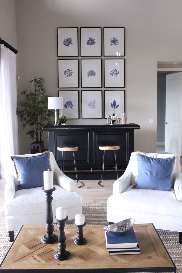 living room in blue%0A Classic Blue and White Coastal Living Room