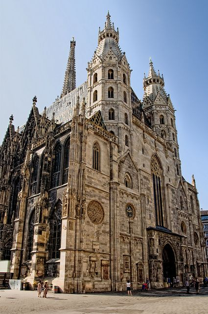 Domkirche St. Stephan, Vienna, Austria - my fav church in all of austria ! stunning !