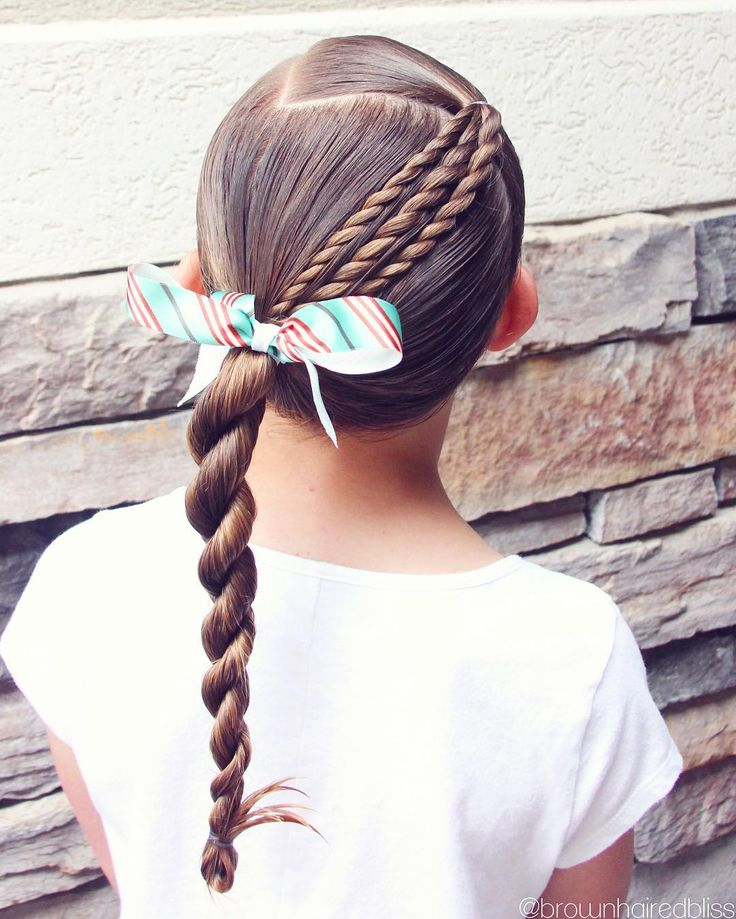 """1,324 Likes, 17 Comments - ANGIE SMITH • HAIR TUTORIALS (@brownhairedbliss) on Instagram: """"I've do a lot of variations of this style...so easy for school!  This took 5 minutes!  Micro rope…"""""""