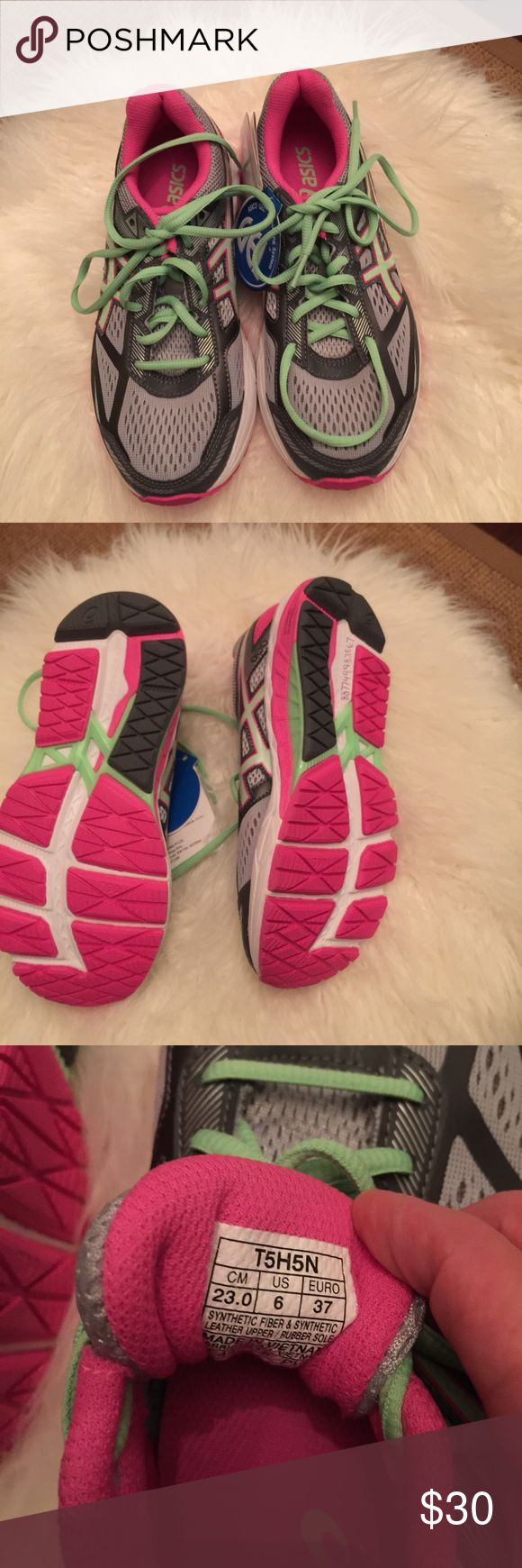 ASIC women gel foundation sneaker Brand-new never worn Asics  gel foundation sneaker size 6 retail  over $120 Asics Shoes Athletic Shoes