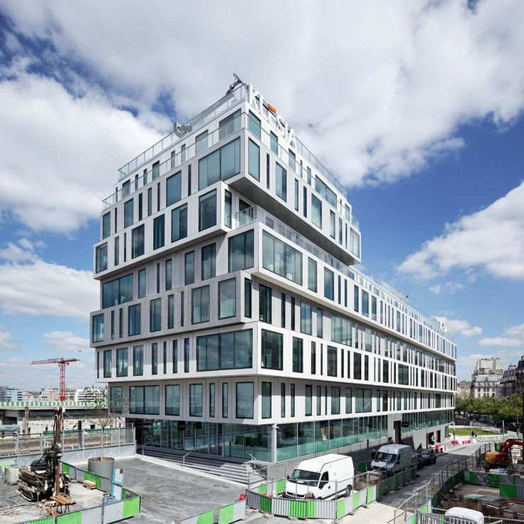 Built by Hardel et Le Bihan Architectes in Paris, France with date 2014. Images by Vincent Fillon. Slipped in between the city and the railway tracks, the building is an expression of its paradoxical setting. To the ...