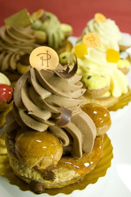 Saint-Honoré au Chocolat Poires, Ô Saint-Honoré!, Pierre Hermé Paris, Shinjuku Isetan, via Flickr.