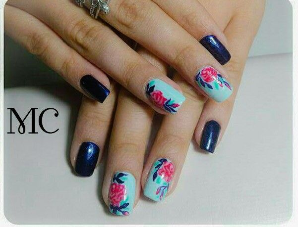 #gellack #bluenails #flowernails #naildesign