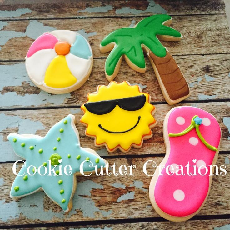 Beach Themed Sugar Cookies - it doesn't necessarily have to be these ones, but we should do some colour flow cookies!