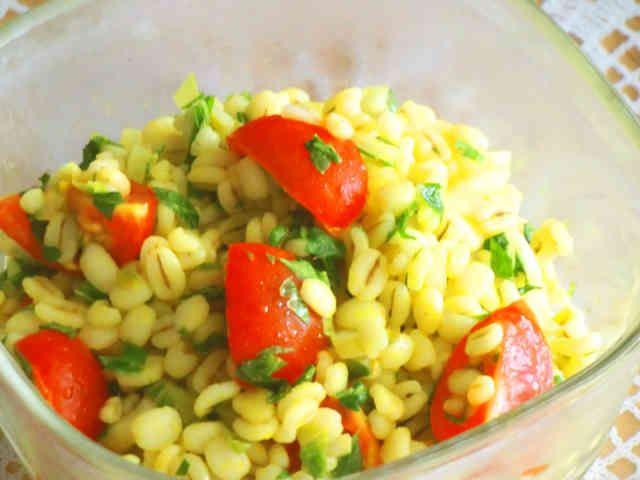 鮮やか押し麦サラダ ほんのりカレー風味の画像