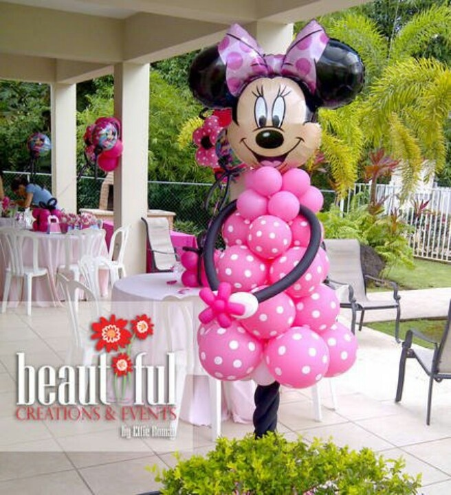 Minnie Balloon sculpture