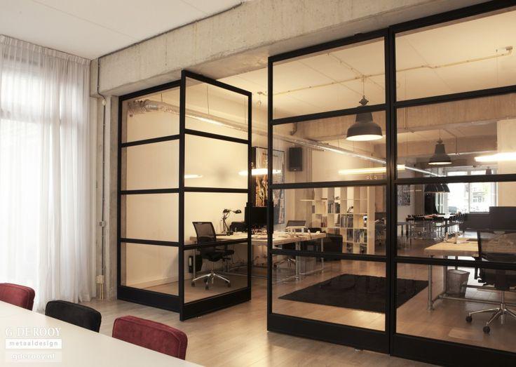 Glazen zwart metalen scheidingswand voor vide/slaapkamer boven
