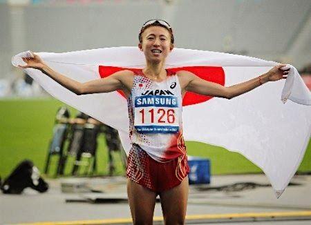 ぱくにゅー: 【アジア大会】 女子マラソン、韓国人観客が日本人選手のレース妨害!!!!! 韓国人観客、とんでもない...
