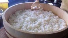 """Como hacer el Arroz para Sushi - Un arroz bien hecho es sinónimo de un gran sushi. Como """"Regla número uno"""" tenemos que emplear un arroz para sushi: que sea un grano corto, redondo y glutinoso, y preferiblemente del tipo nipon o variedad japónica"""