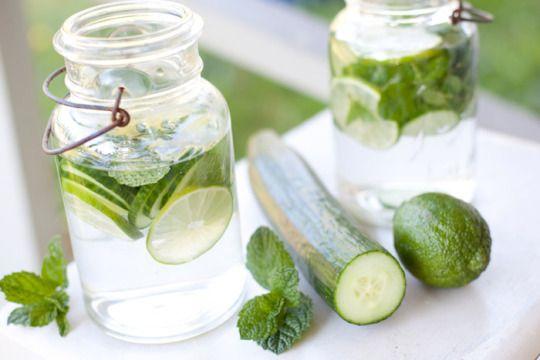 Inilah manfaat yang didapat dari meminum resep infused water timun