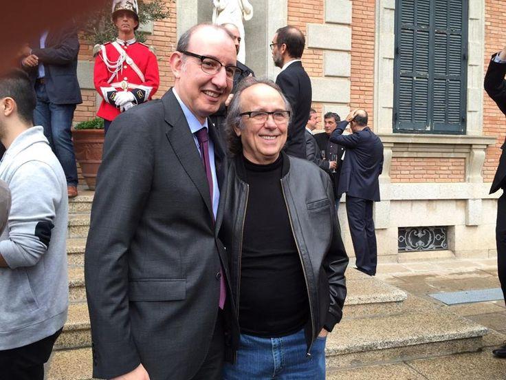 Con el periodista Antoni Bassas. cortesía jmserrat.