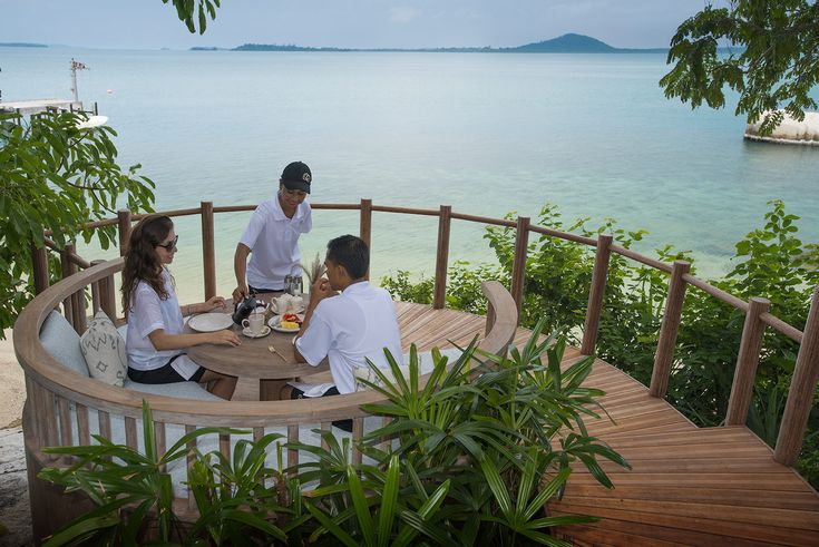 Cempedak -dining with view