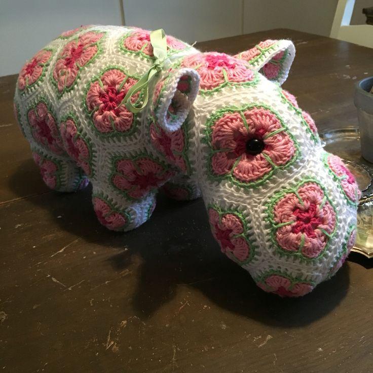 Virkad #flodhäst  mönster från #heidibears #crochet