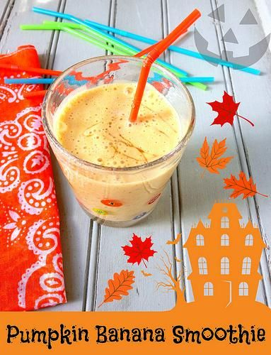Pumpkin Banana Smoothie via @Amelia May Makeover Moms // #pumpkin #banana #smoothie #recipe #fallfood