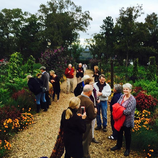 Friends enjoying the veg garden! Always fun when you can share! #mossmountainfarm #sharethebounty #joy #abundance