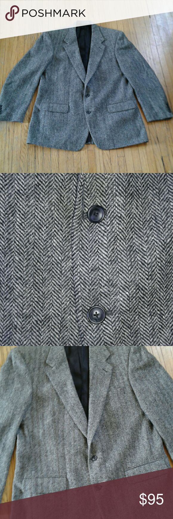 Burberry Herringbone Men's Wool Blazer EUC black and white Herringbone patterned wool blazer. 1 small stain on interior Burberry Label. Otherwise no other damage!! Pit to pit 23. Length 35. Shoulders 20. Waist 22.5. Burberry Suits & Blazers Sport Coats & Blazers