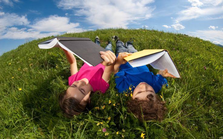 5 cărți pe care copiii tăi să le citească vara asta