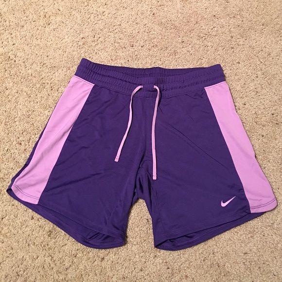 Women's Nike shorts, size S, never worn Women's Nike shorts, size S, never worn, very cute comfy shorts Nike Shorts
