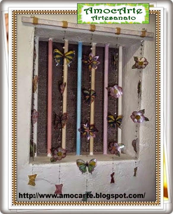 Cortina de flor e borboleta feita de garrafa pet e esmalte de unha http://www.amocarte.blogspot.com.br/