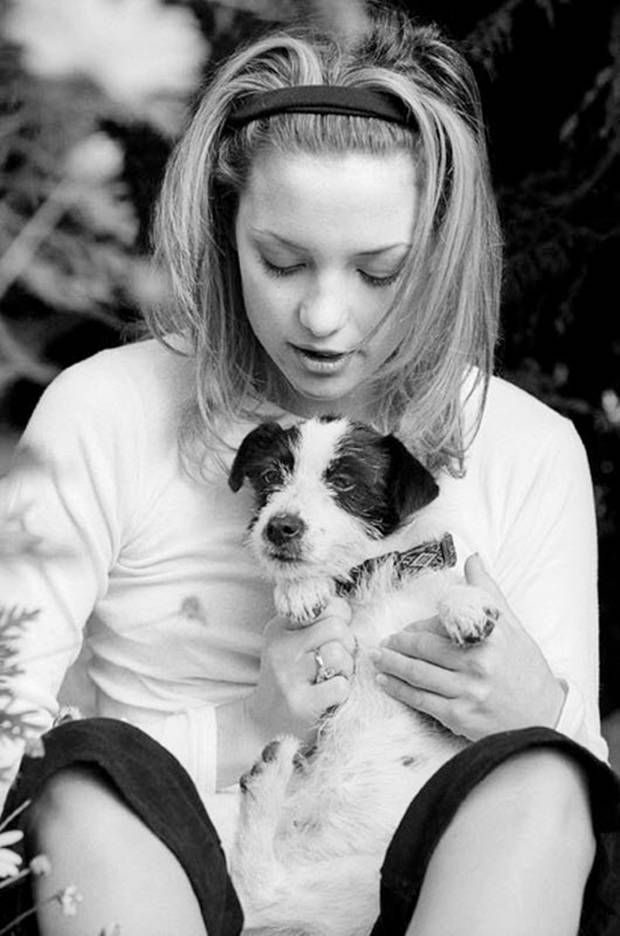 Photo of Kate Hudson & her Dog