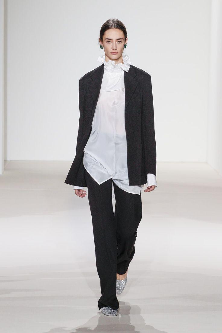 Victoria Beckham | Ready-to-Wear - Spring 2018 | Look 31