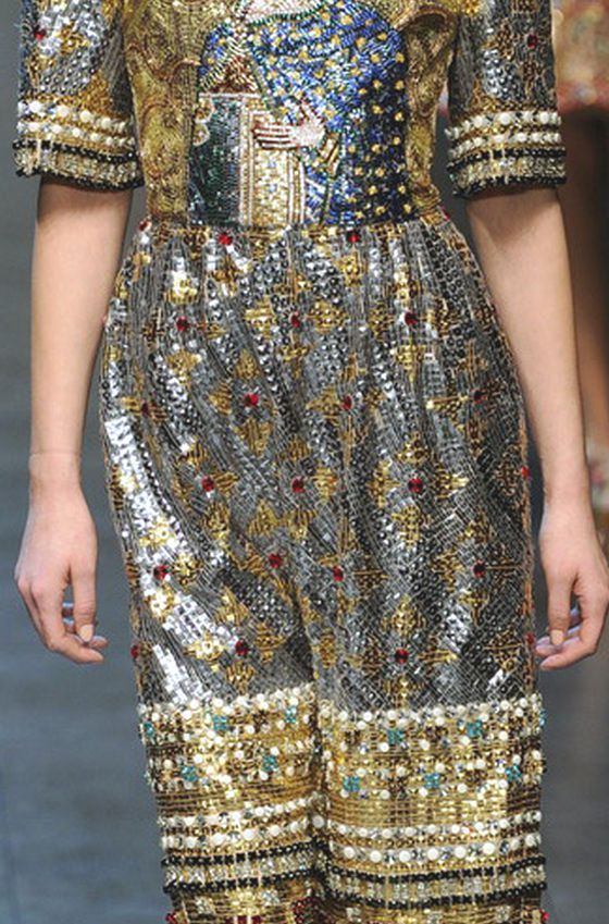 WONDERFUL BYZANTINE SICILIAN MOSAICS INTO DOLCE & GABBANA A/W 2013/14 COLLECTION