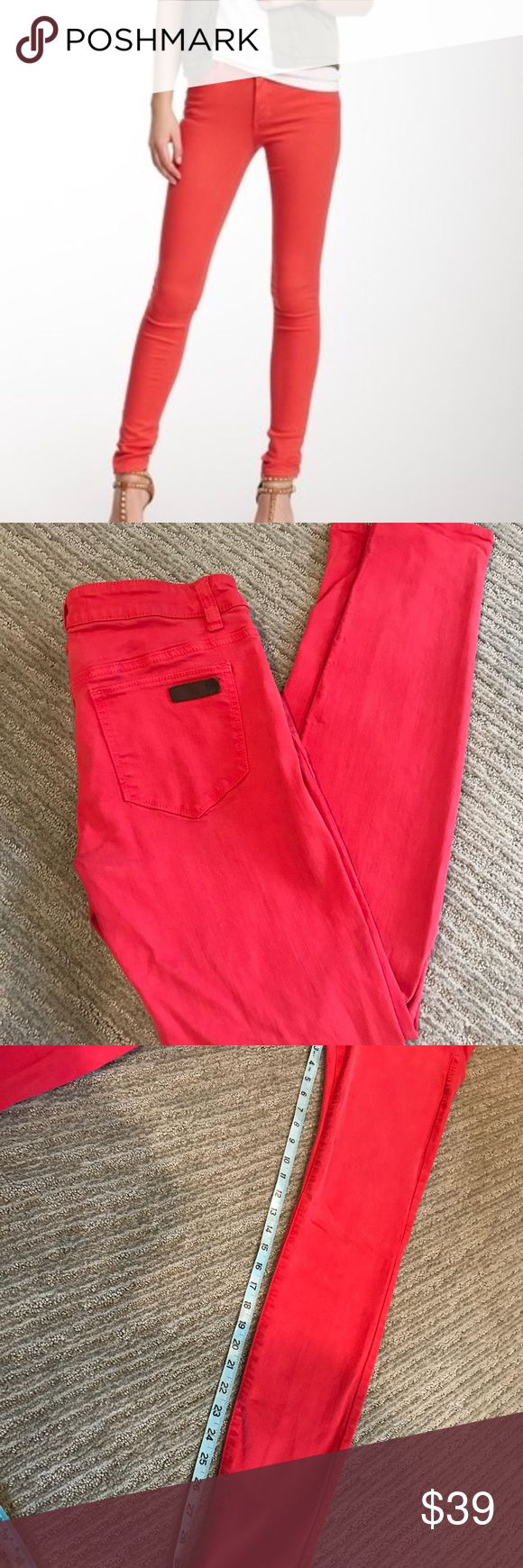 🎄Holiday Red Joe's Jeans! Size27 Skinny Joe's Jeans in red! Excellent condition and great for those festive holiday parties. Would look great with sparkly top! Joe's Jeans Jeans Skinny