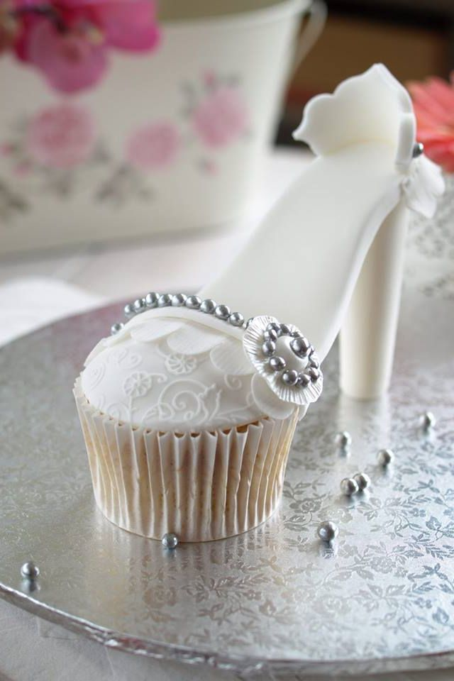 cupcake recipes for bridal shower%0A High Heel Cupcake cute white for wedding shower